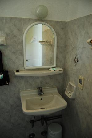Dimitris Villas: Room no. 3 - Bathroom 2