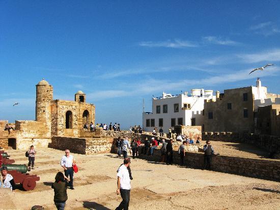 the ramparts of essaouira - photo #25
