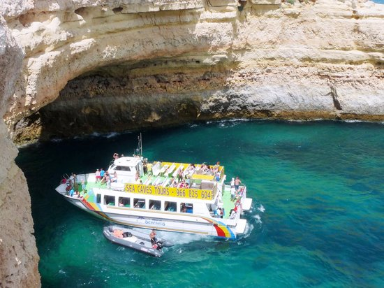 Vilamoura, البرتغال: caves cruises albufeira