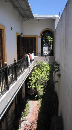 La Antigua Casa de Brigit: View down to courtyard