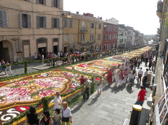 Genzano di Roma, Italien: Infiorata 2010