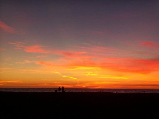 Venice Breeze Suites: Gorgeous Sunsets are normal