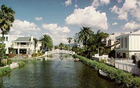 Venice Breeze Suites: Neighboring Venice Canals