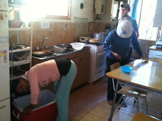 Hostal Corvatsch: cocina del hostel- los funcionarios echando nosotros del recinto