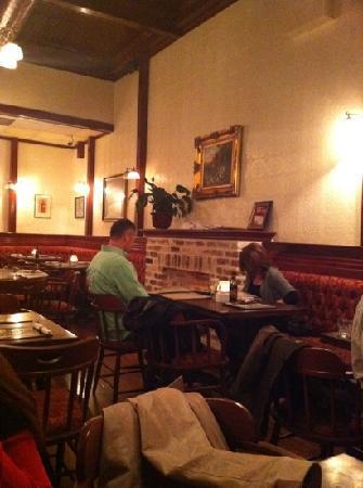 Churchill's Pub: churchills back dining room