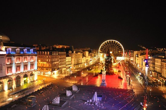 Clermont-Ferrand, France : Nightime