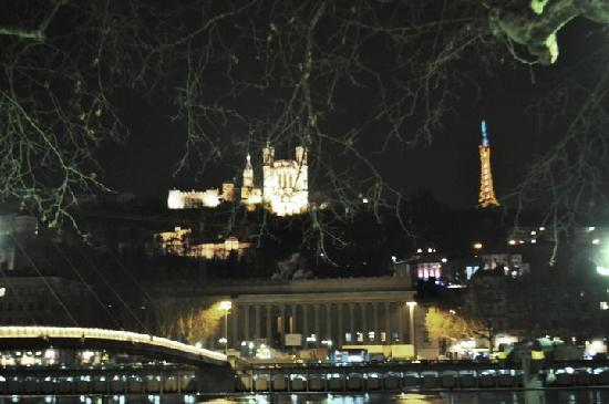 Puy-de-Dome: nightime