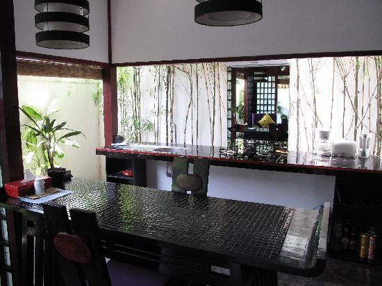 Bonsai Villas: Kitchen