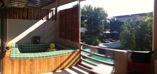 The Hideaway Resort : Daytime balcony view - room 204