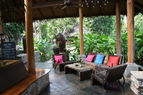 Coral Bay Resort: Lobby at Coral Bay - Relaxing ...