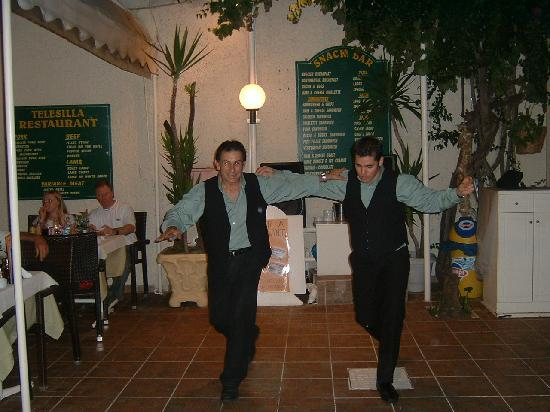 Hotel Telesilla: dance the nighht away