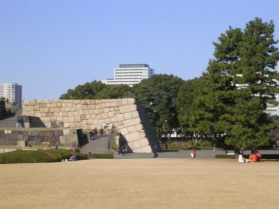 The East Gardens of the Imperial Palace (Edo Castle Ruin): 天守閣