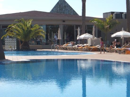 Iberostar Fuerteventura Park : Poolside at the Iberostar