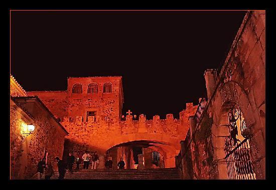 Old Town of Cáceres : Arco de La Estrella