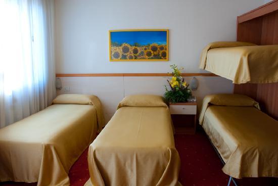 Hotel Ristorante Due Ragni: QUADRUPLA