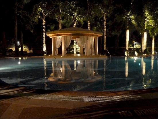 Hyatt Regency Kolkata: プールサイド