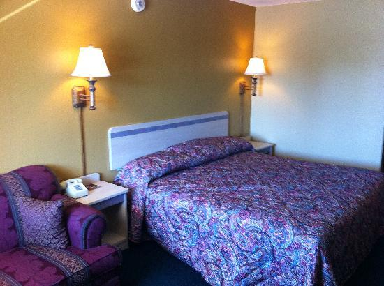 Americas Best Value Inn Enid: King Room