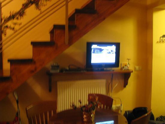 Nefeli Guest Houses : living room