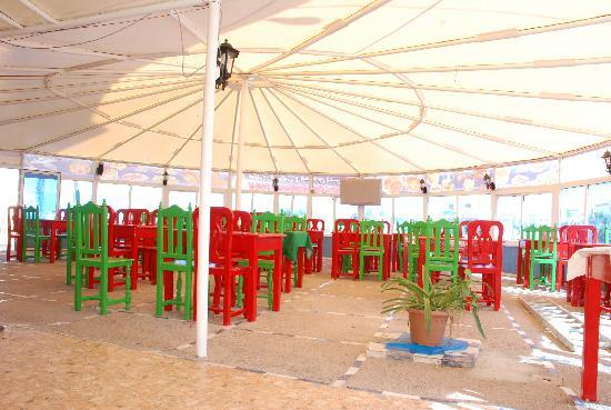 El Ouatia, Maroko: café restaurant Dubai tan-tn plage