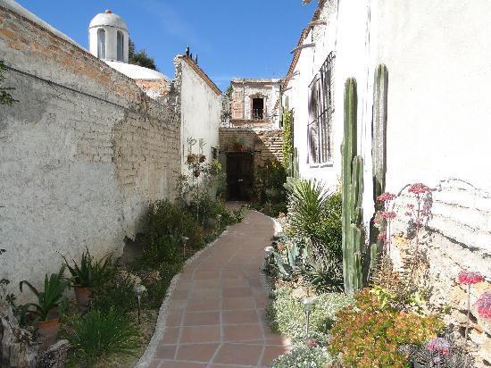 Mineral de Pozos, Mexico: entry