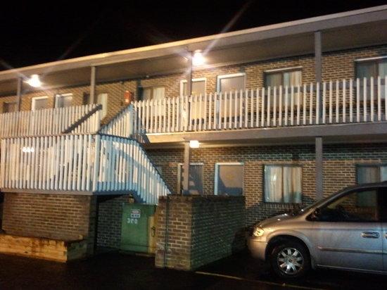 Marlboro Inn: more pics of motel