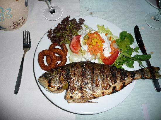 La Sera Cafe & Bar: Gegrillter Fisch