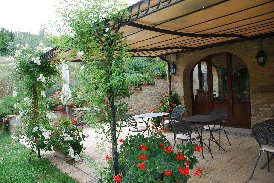 Casa Portagioia: dining area