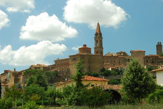 Casa Portagioia - Tuscany Bed and Breakfast: village