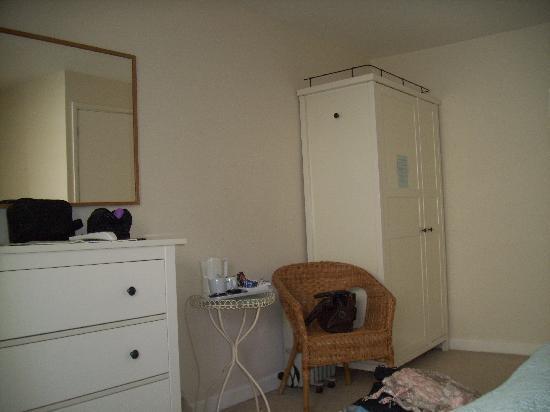 Golden Lion Inn: Room 2