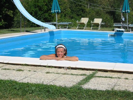 Agriturismo Acquaviva: frische Abkühlung im Pool...