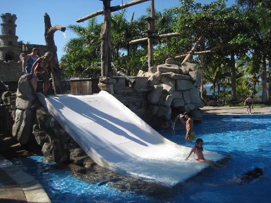 Amatique Bay Resort & Marina: pool