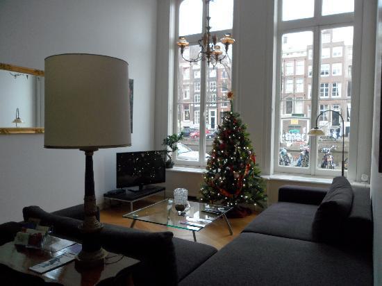 Maes B & B: Living Room