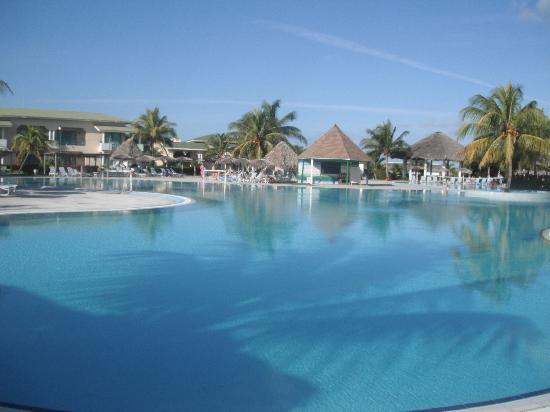Hotel Playa Costa Verde: Beautiful, clean pool