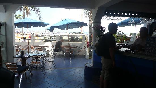 Cocos Hotel: entrada