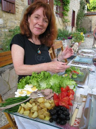 Bezenac, France: A lovely meal prepared by Jeri
