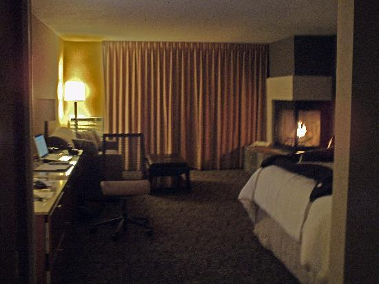 Resort at The Mountain, BW Premier Collection: Fireside Room
