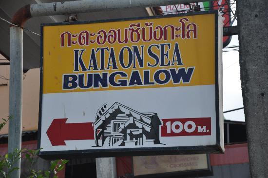 Kata On Sea Bungalows: Cartel del hotel