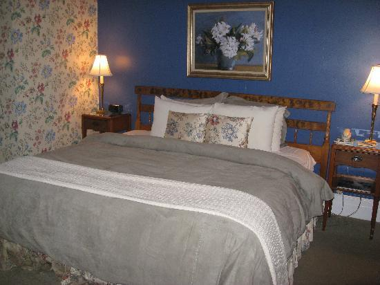 Wake Robin Inn : Our room