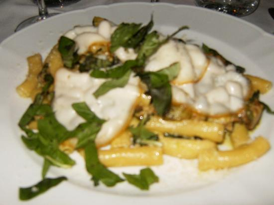 Tuna entree picture of il capitano positano tripadvisor Tuna and philadelphia pasta