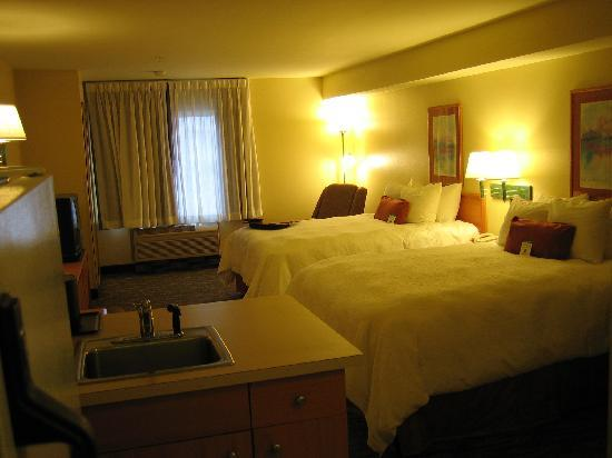 BEST WESTERN PLUS Navigator Inn & Suites: View from near the doorway