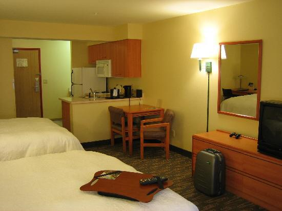 BEST WESTERN PLUS Navigator Inn & Suites: Overall view