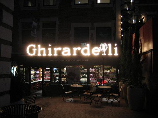 Ghirardelli Square : Ghirardelli