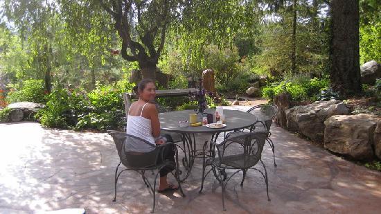 breakfast at Mimmi's garden