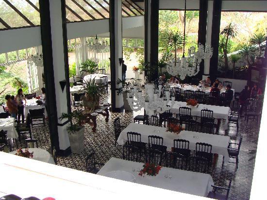 Antonio's Garden: Down stairs dining area