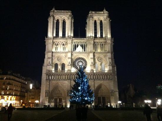 Christmas - Picture of Notre Dame Cathedral, Paris - TripAdvisor