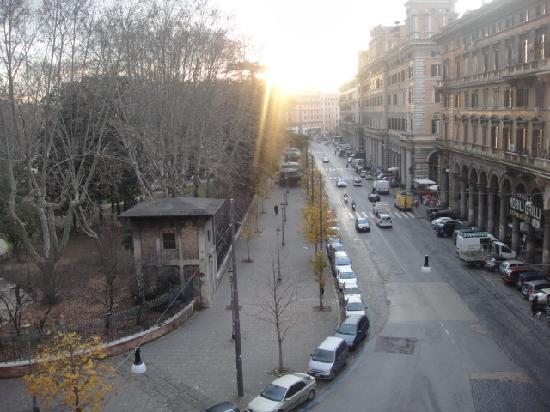 Hotel Maikol Rome: vista dalla finestra