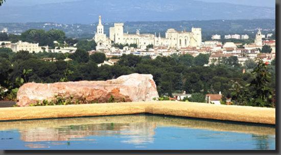 La California : Le palais des papes de la piscine