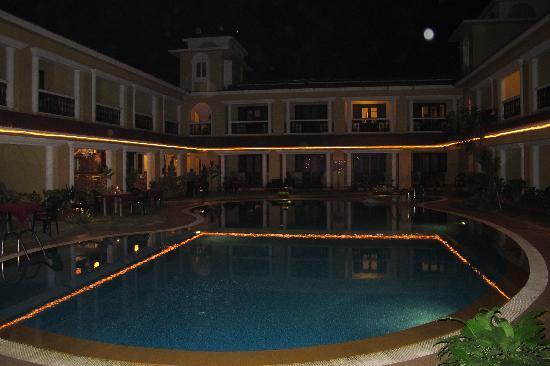 Casa De Goa Boutique Resort: Jedes Zimmer hat Blick auf den Pool