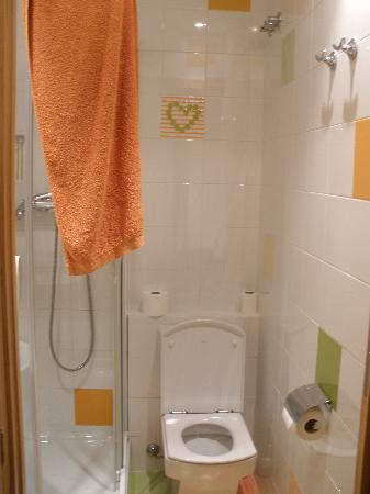Pension Izar Bat: Baño foto 2