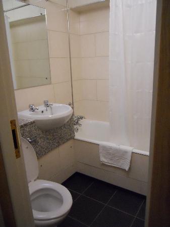 President Hotel: Baño